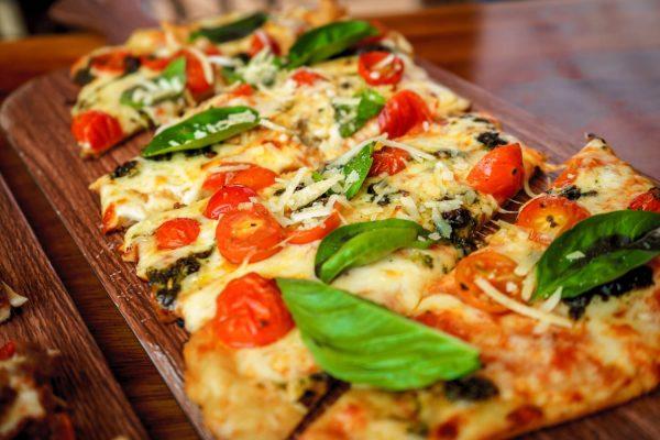come condire la base pizza